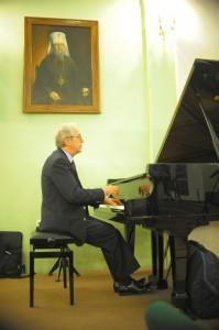 Болгарский пианист-виртуоз Атанас Куртев